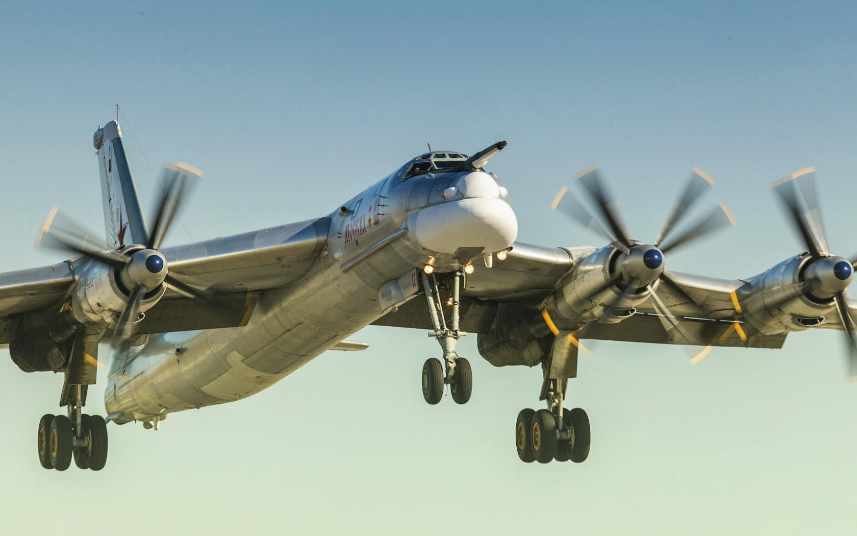 солдаты самолеты дальней авиации россии фото одна техник
