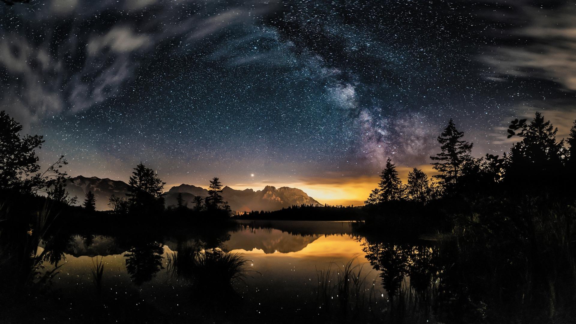 Звездное небо у реки картинки