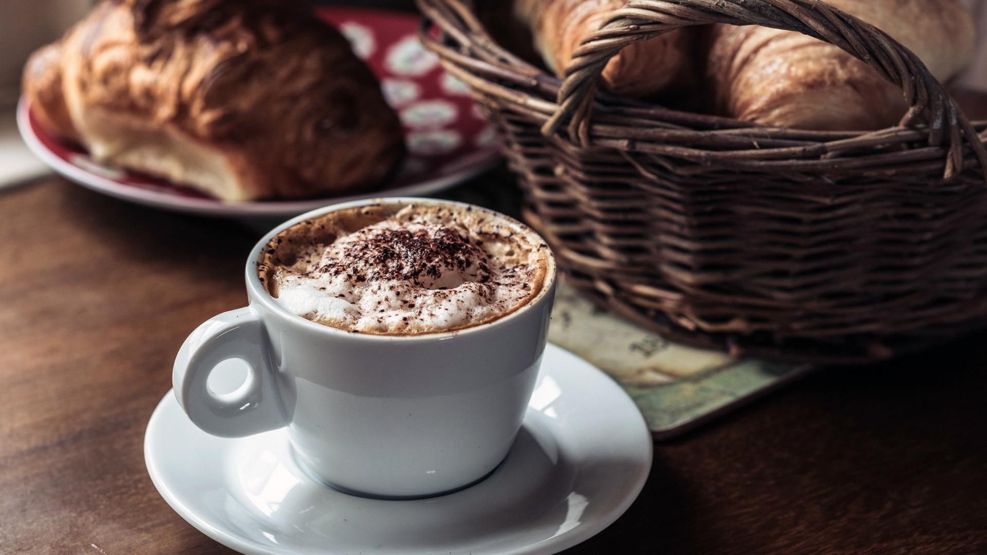 чашка кофе ч плюшкой фото одеяла