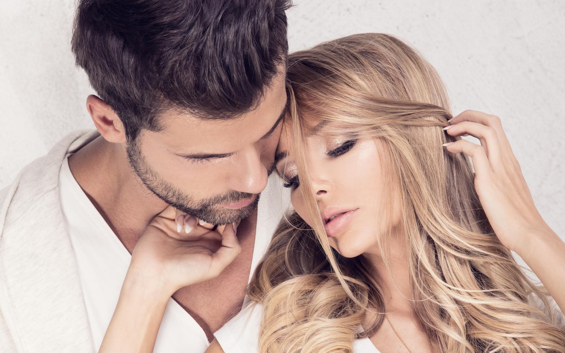 Днем, картинка влюбленные пары блондинка