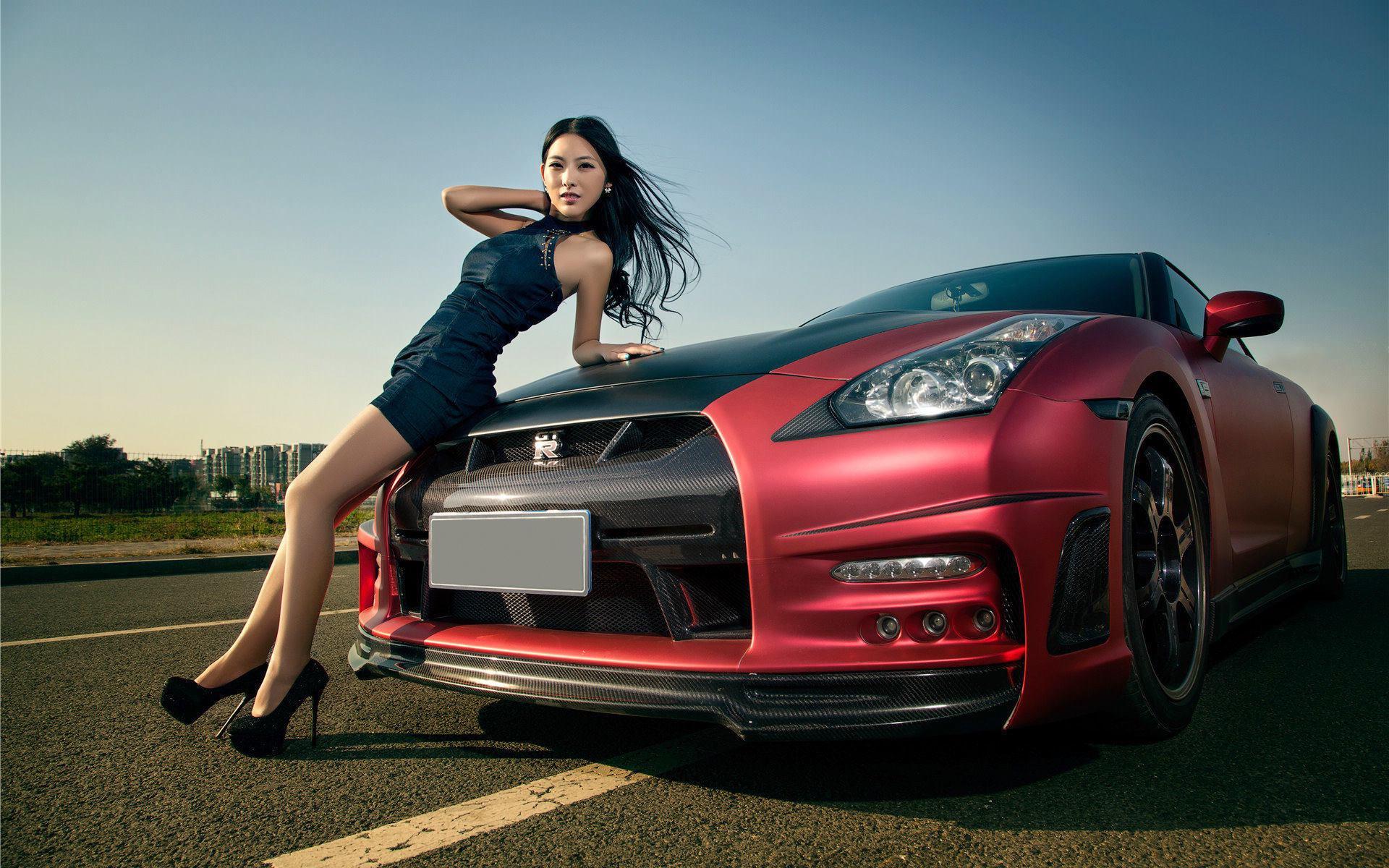 Крутые картинки девушек на машине