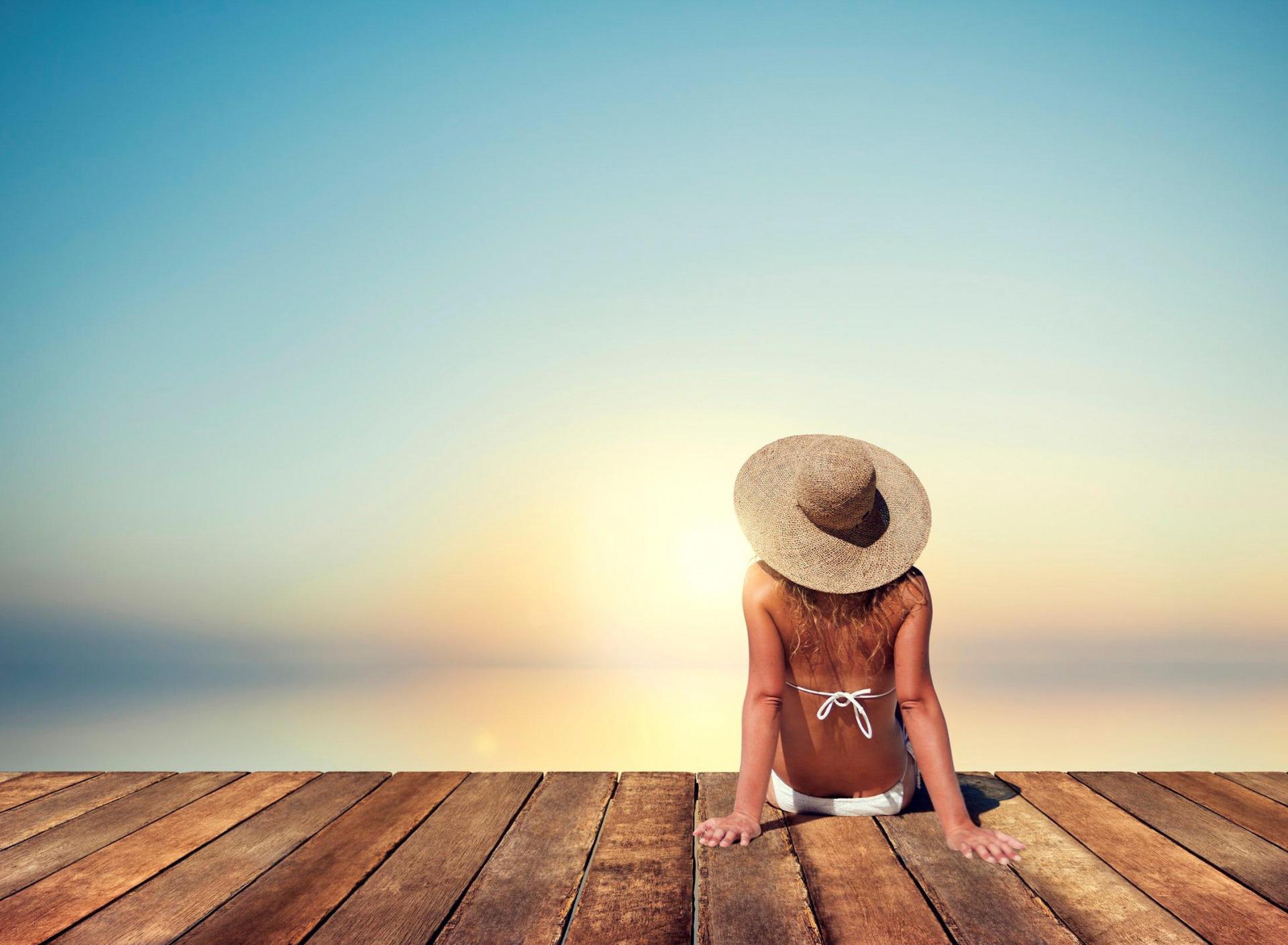 белый фото в шляпах на море без лица вас есть какие-то