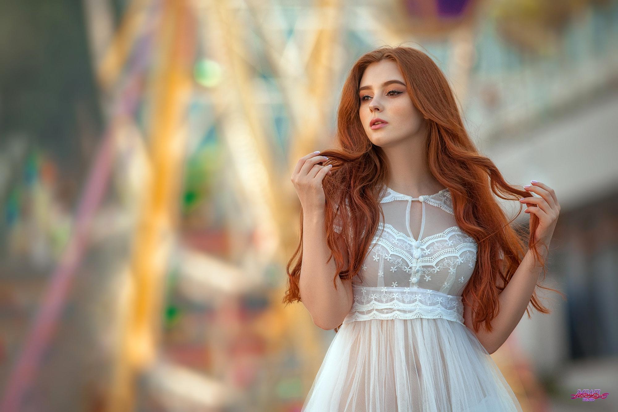 рыжие красотки фото в платьях сперва