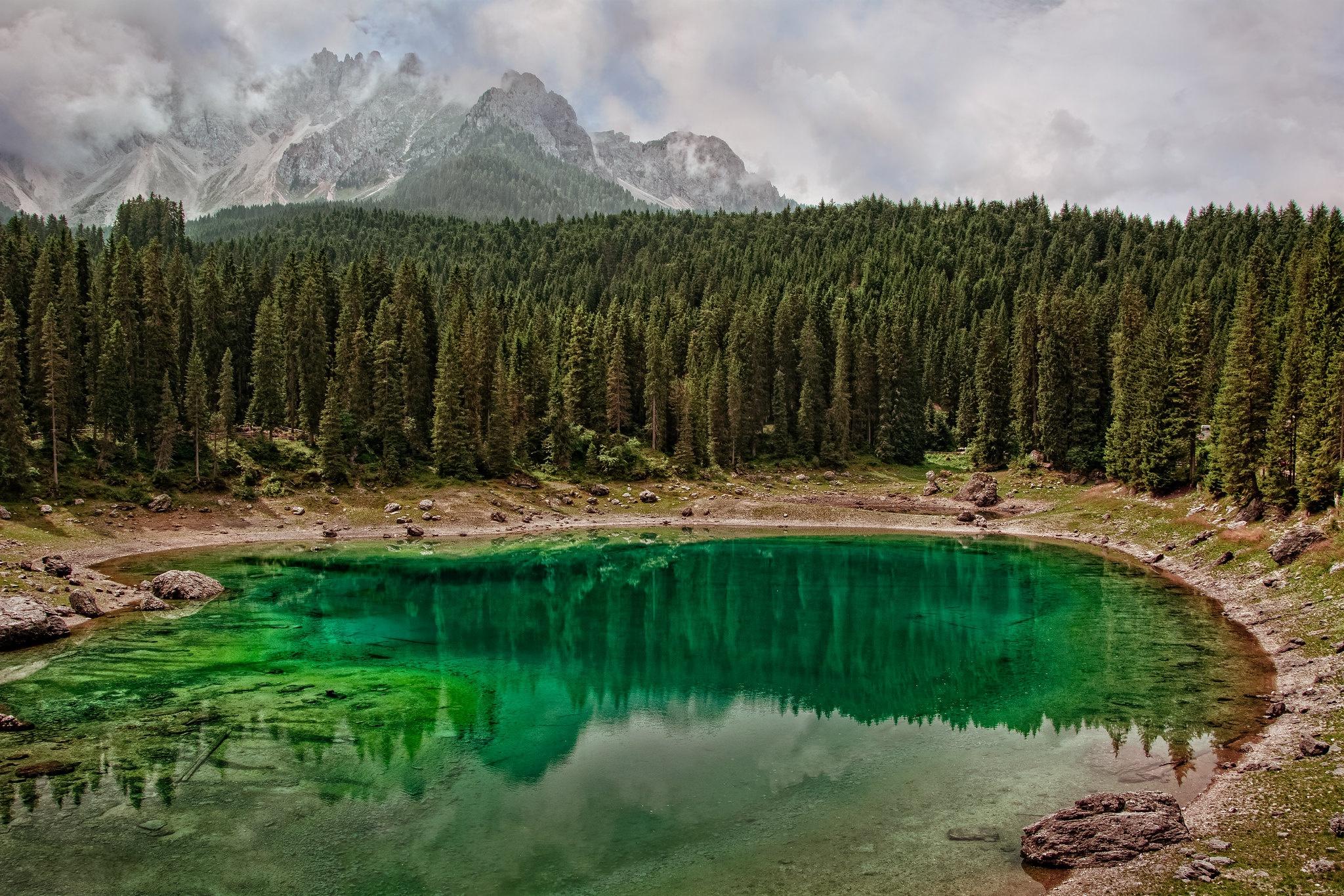 картинки фото озера внутри гор сбоку будет фильтр