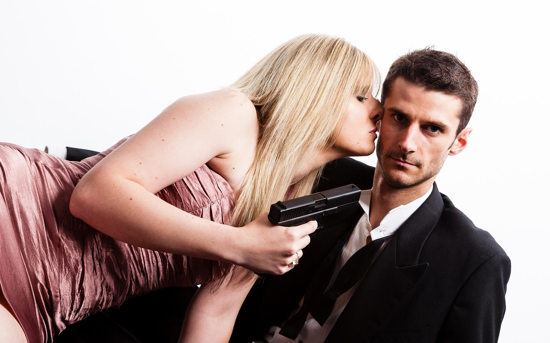 Смешная картинка парень с девушкой, надписью