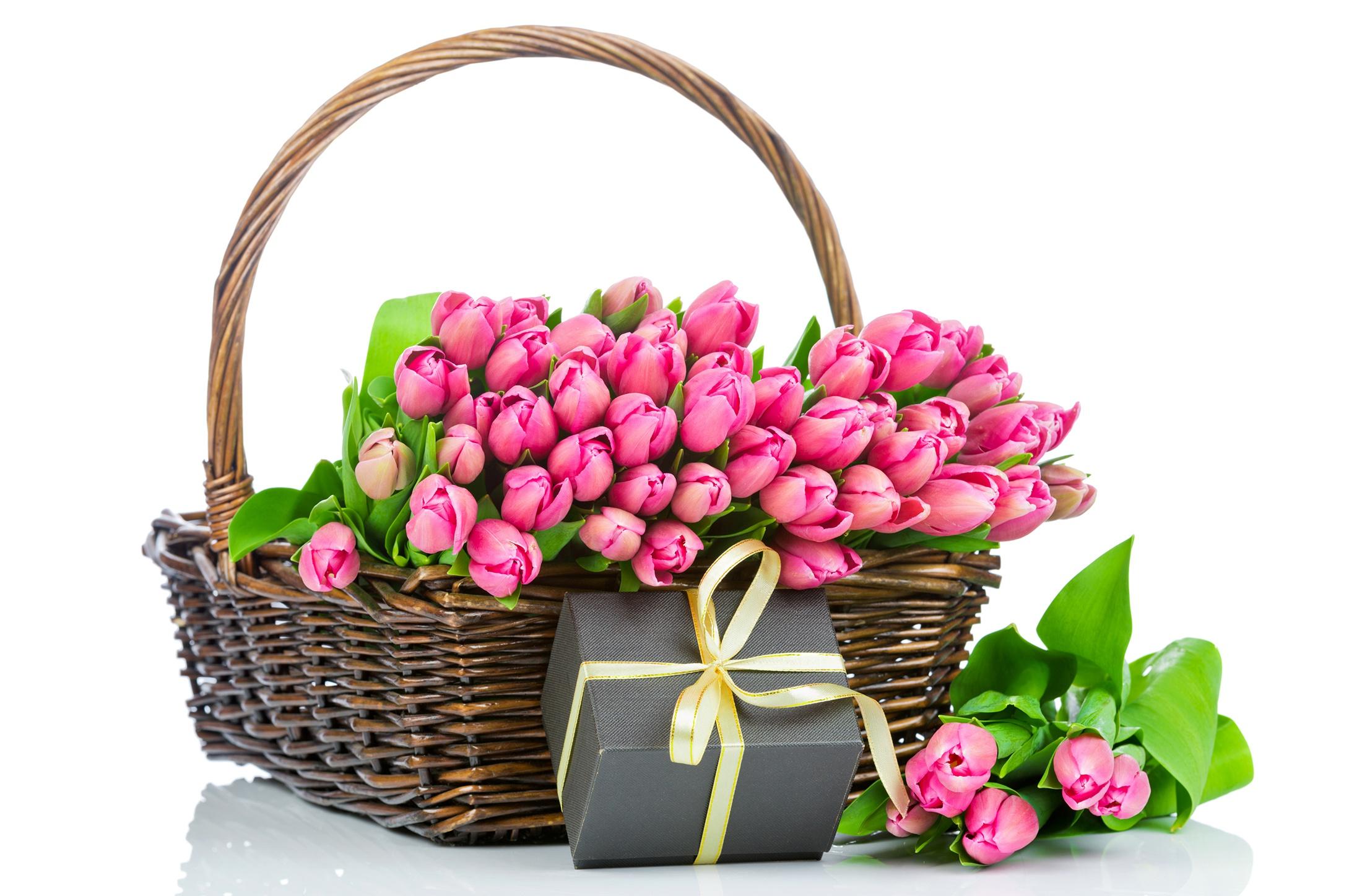 Открытка цветы в корзине, девочки