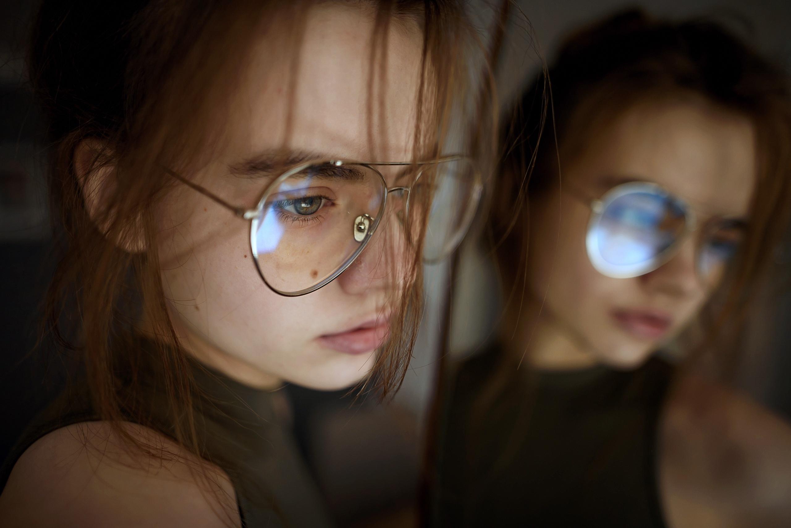 фото с отражением в очках с компа