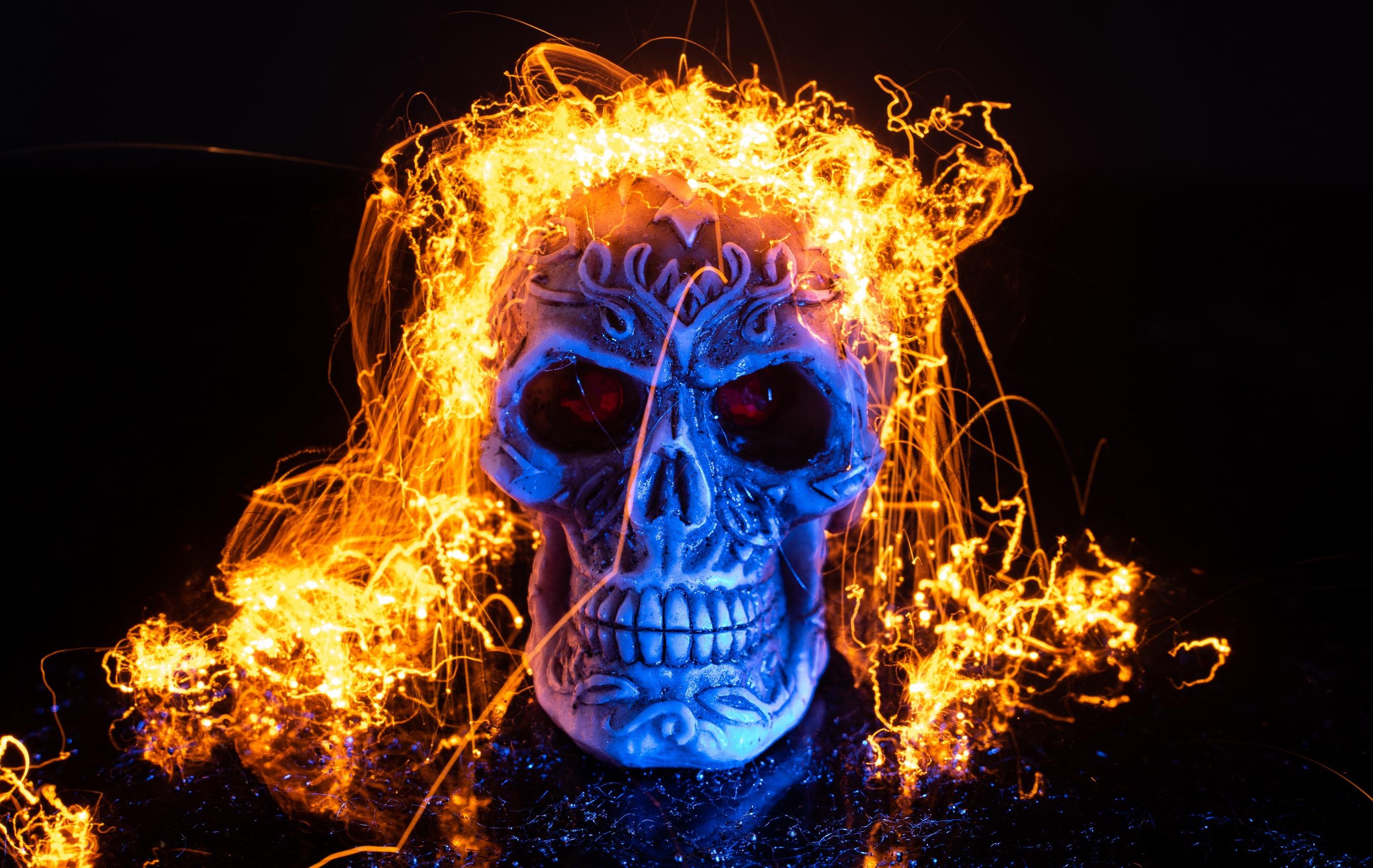 картинки черепов в огне с костями вдруг