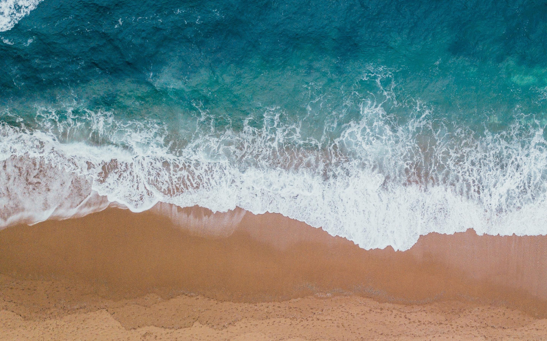 Картинки моря с песком вертикальные вид сверху на обои