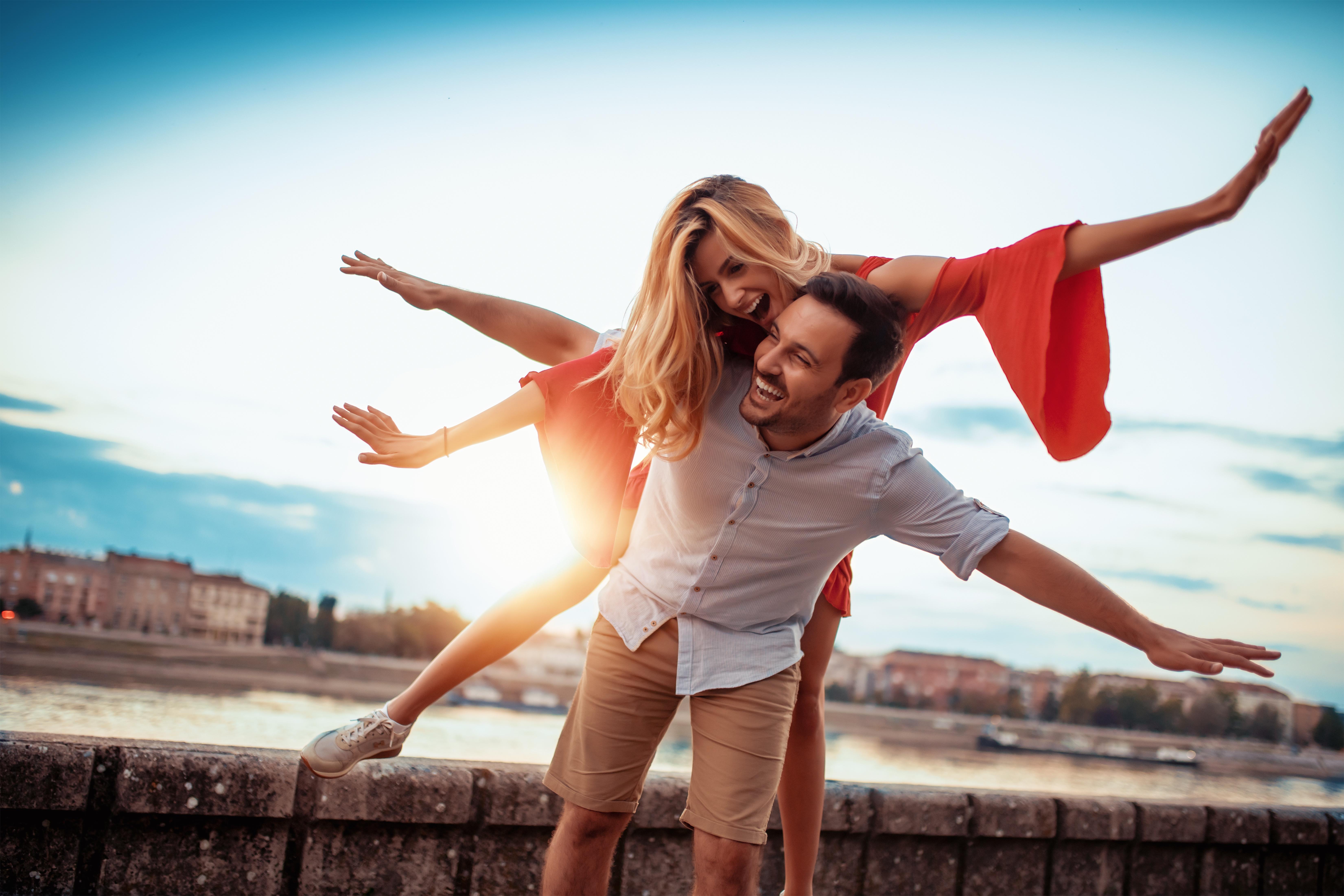 Фото картинки девушках и парнях счастье