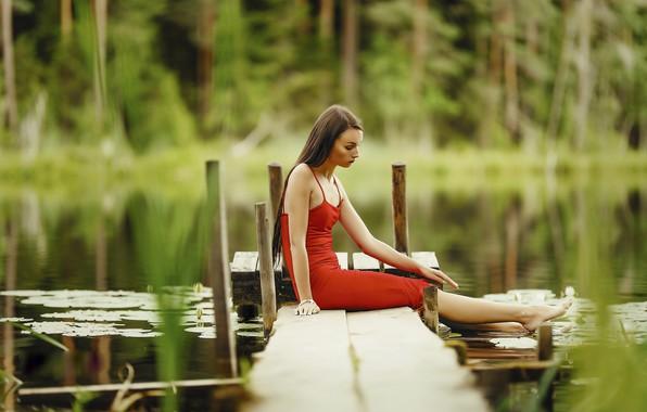 Картинка взгляд, вода, девушка, природа, поза, река, платье, боке, Janis Balcuns