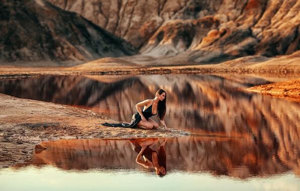 Картинка девушка, поза, озеро, отражение, река, платье, Dmitry Arhar, Дмитрий Архар