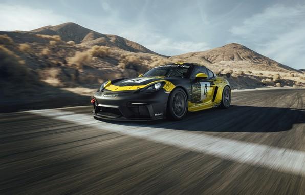 Картинка горы, купе, трасса, Porsche, Cayman, 718, 2019, чёрно-жёлтый, GT4 Clubsport