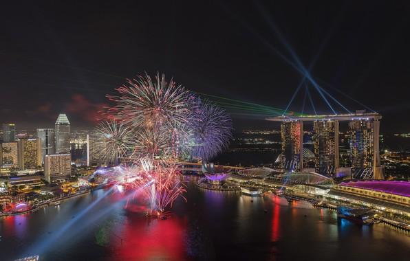 Картинка ночь, город, огни, бухта, салют, панорама, Сингапур