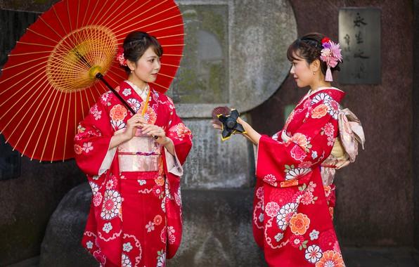 Картинка стиль, девушки, две, японки, зонт, кимоно, в красном, азиатки, наряды, шатенки