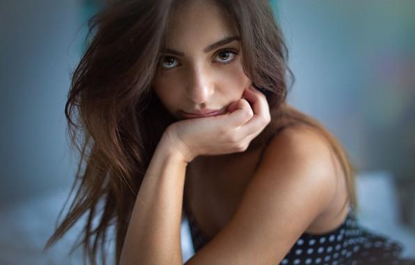 Картинка girl, Model, long hair, dress, brown hair, brown eyes, photo, bokeh, lips, face, brunette, portrait, …
