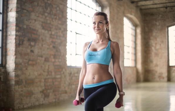 Картинка девушка, фитнес, тренировка, гантели, ЗОЖ