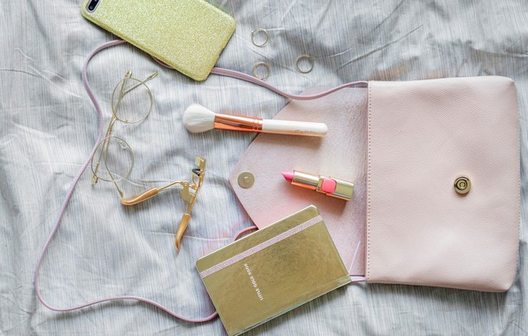 Картинка помада, очки, блокнот, кисточка, телефон, сумка