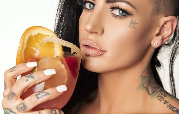 Картинка sexy, model, pretty, brunette, look, tattoos