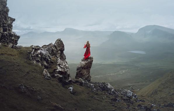 Картинка девушка, скалы, платье, в красном, Lizzy Gadd, Isolated Desolation