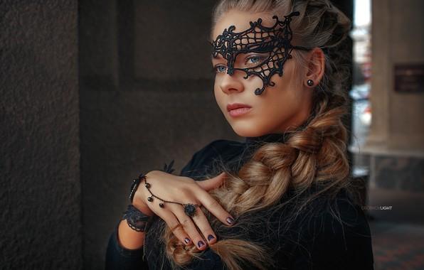 Картинка взгляд, девушка, лицо, стиль, рука, портрет, маска, кольцо, коса, маникюр, Alexander Drobkov-Light, Лилия Беспалая