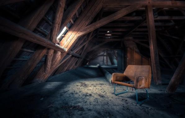 Картинка дом, стул, чердак
