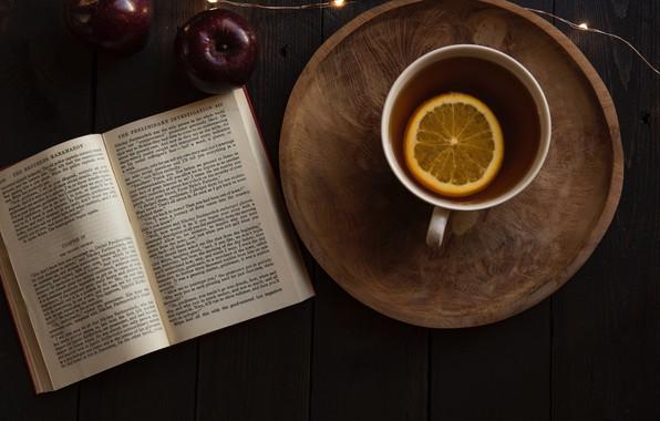 Картинка стол, лимон, чай, яблоко, кружка, книга, гирлянда, Joanna Kosinska