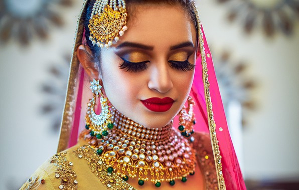 Картинка girl, fashion, eyes, smile, beautiful, model, pretty, lips, face, hair, pose, indian, makeup, ear rings, …