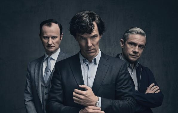 Картинка фон, трио, Мартин Фримен, Бенедикт Камбербэтч, Benedict Cumberbatch, Sherlock, Марк Гэтисс, Майкрофт Холмс, Sherlock BBC, …