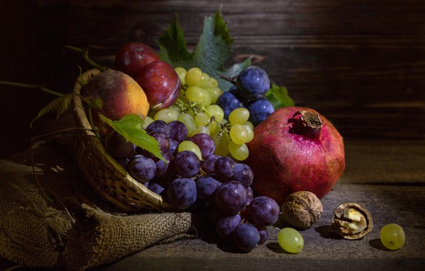 Картинка виноград, фрукты, орехи, натюрморт, сливы, мешковина, гранат