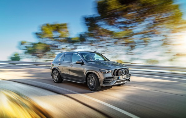 Картинка машина, деревья, движение, Mercedes-Benz, скорость, поворот, кроссовер, Mercedes-AMG, GLE 53, 4Matic+