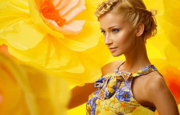 Картинка цветы, жёлтый, фон, портрет, макияж, платье, прическа, блондинка, красотка