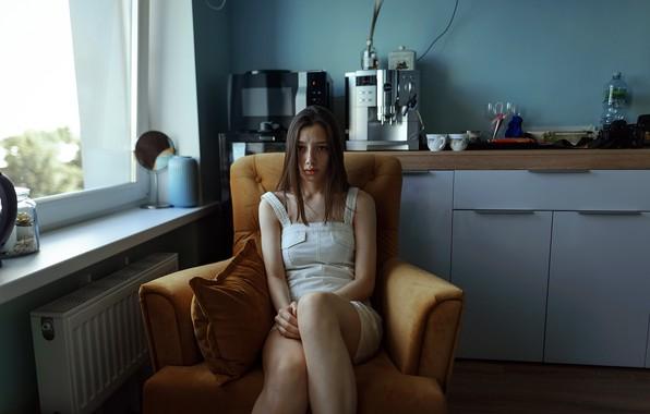 Картинка девушка, веснушки, ножки, на кухне, Aleks Five