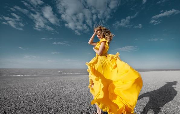 Картинка небо, облака, волосы, Девушка, платье, Sergey Gokk