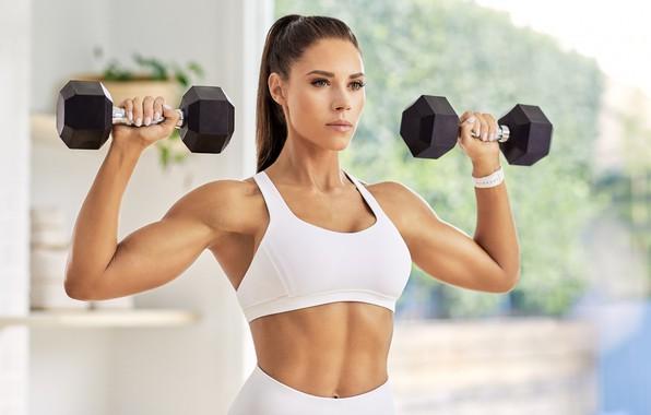Картинка взгляд, поза, фигура, фитнес, pose, тренировка, гантели, workout, тренажерный зал, fitness, gym, dumbbells, спорт зал, …