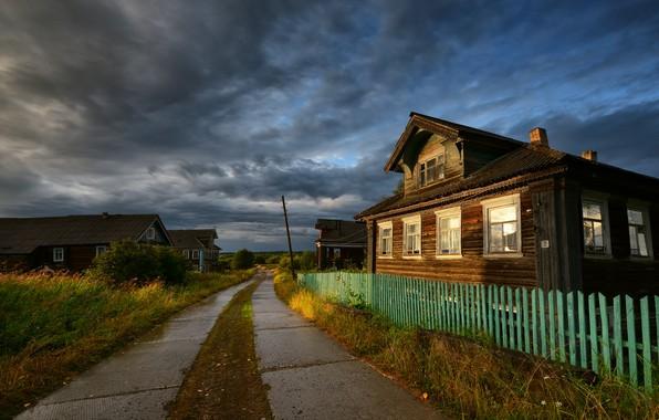 Картинка дорога, дом, село, забор, дома, деревня, домики, деревянный, Россия, изба, провинциальный пейзаж
