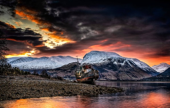 Картинка Sunrise, Old boat of Caol, Ben Nevis