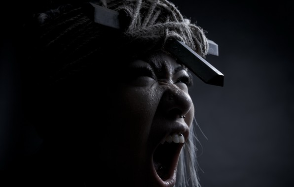 Картинка девушка, крик, эмоция, экзорцизм