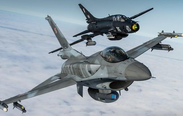 Картинка Истребитель, F-16, Истребитель-бомбардировщик, F-16 Fighting Falcon, Су-22, Sukhoi Su-22M4, ВВС Польши, Су-22М4