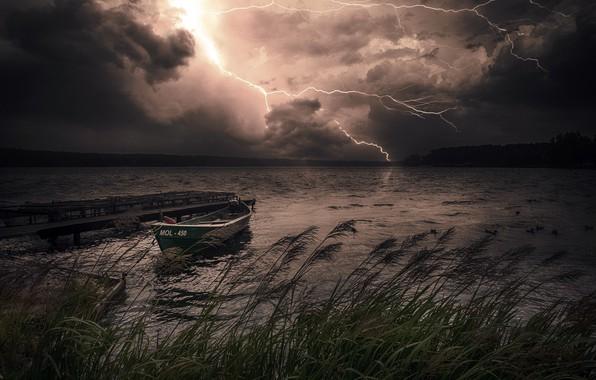 Картинка ночь, шторм, озеро, лодка