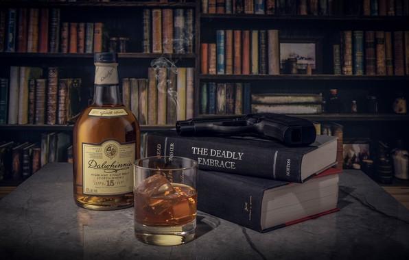Картинка стакан, стиль, пистолет, книги, бутылка, натюрморт, виски