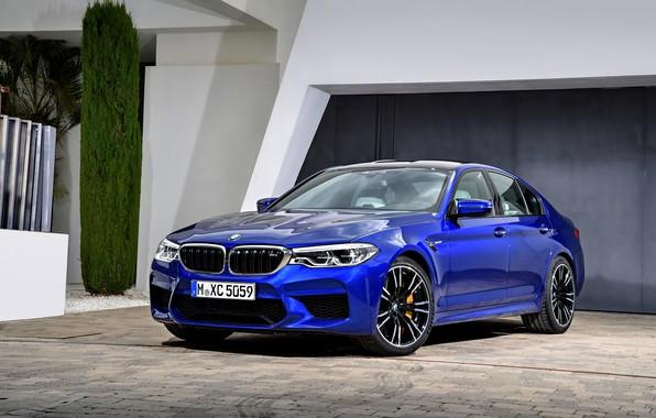 Картинка дом, BMW, стоянка, седан, BMW M5, 2017, M5, F90