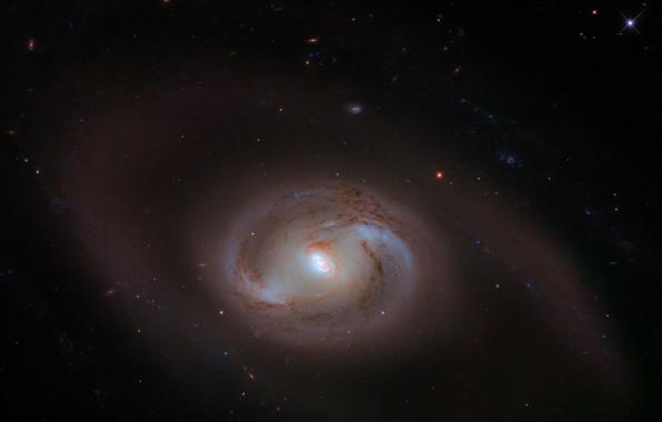 Картинка космос, ядро, PGC 19688, MK 620, спиральная галактика с перемычкой, внутреннее кольцо, молекулярный газ, водород, …