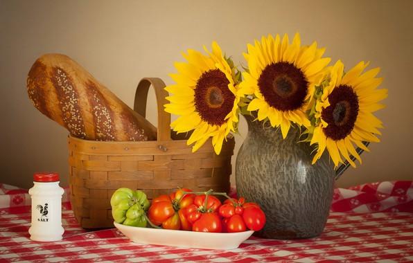 Картинка подсолнухи, стол, корзина, тарелка, кувшин, натюрморт, помидоры, скатерть, соль, батон