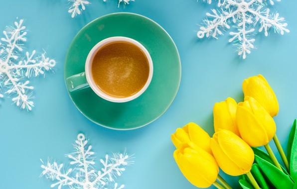 Картинка зима, снежинки, фон, голубой, Новый Год, Рождество, чашка, тюльпаны, Christmas, yellow, blue, winter, background, cup, …