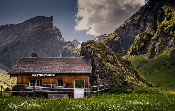 Картинка зелень, лето, небо, облака, пейзаж, цветы, горы, природа, дом, скалы, надпись, поляна, вершины, забор, окна, …