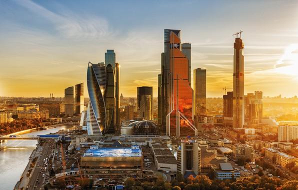 Картинка осень, закат, город, река, здания, дома, Москва, небоскрёбы, мегаполис, Москва-Сити, бизнес-центр