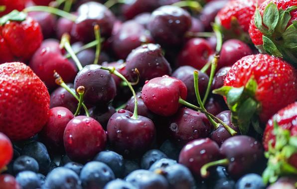 Картинка капли, вишня, ягоды, еда, урожай, черника, клубника, красные, много, черешня, свежие, спелые, ассорти