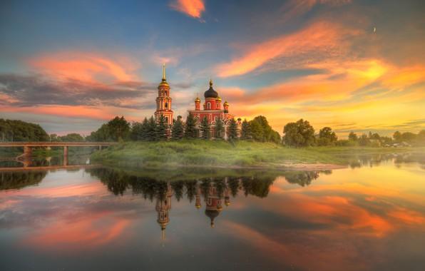 Картинка небо, деревья, закат, мост, природа, отражение, река, церковь, Россия, Ed Gordeev