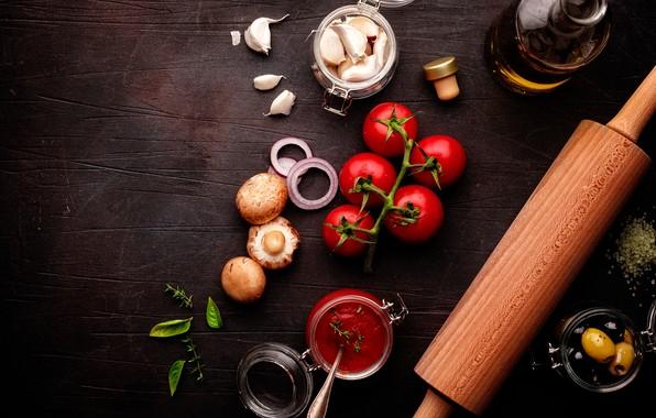 Картинка грибы, помидоры, оливки, кетчуп, специи, чеснок